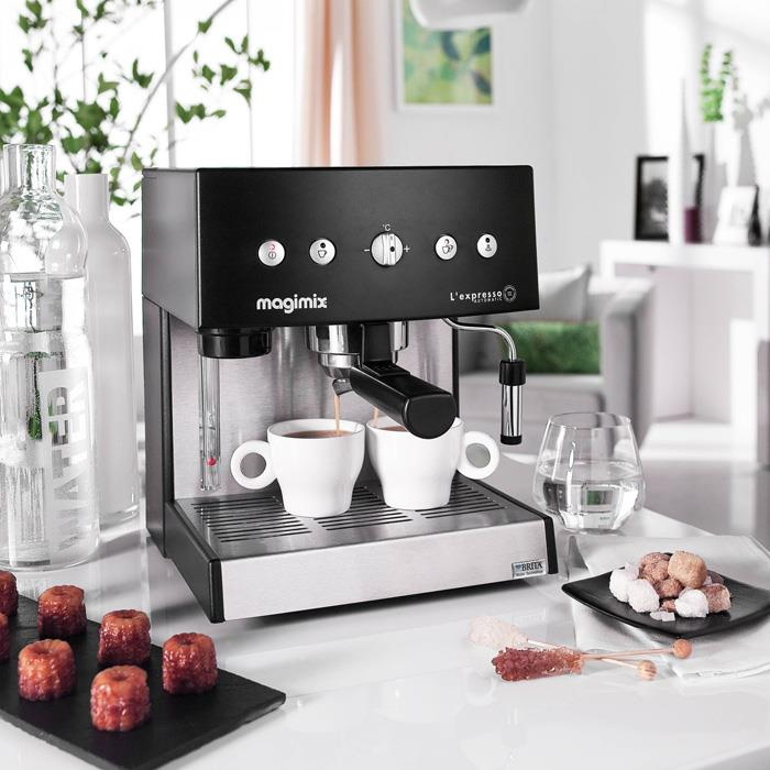 magimix machine caf expresso cafeti re automatique dosettes caf moulu noir la casserolerie. Black Bedroom Furniture Sets. Home Design Ideas